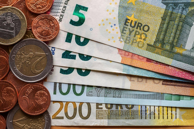 Επίδομα 400 ευρώ: Δικαιούχοι και αιτήσεις