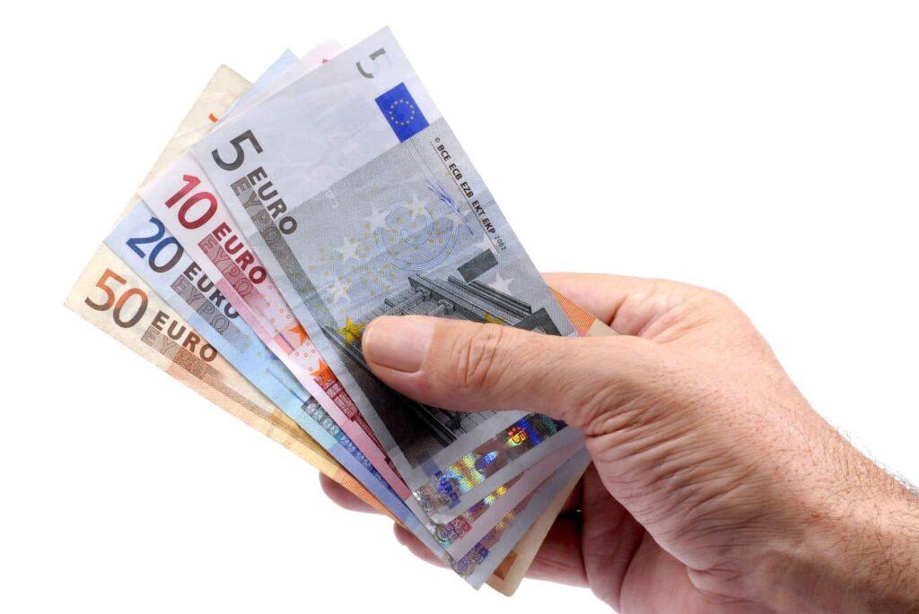 Επίδομα 534 ευρώ: Ποιοί εργαζόμενοι θα το πάρουν – Οι ΚΑΔ