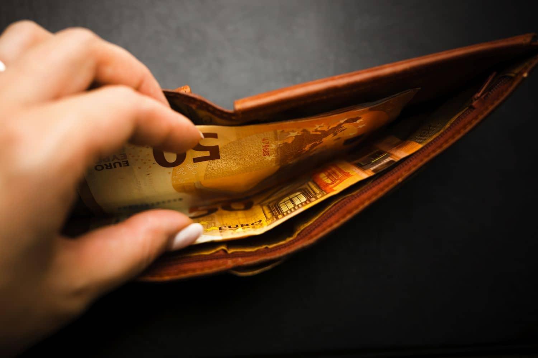 Επίδομα 400 ευρώ: Ποιοί επιστήμονες μπορούν να το λάβουν