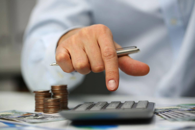 Έρχονται ΝΕΑ μέτρα στήριξης το Δεκέμβριο: Επίδομα 800 ευρώ, αναστολές, μείωση ενοικίων