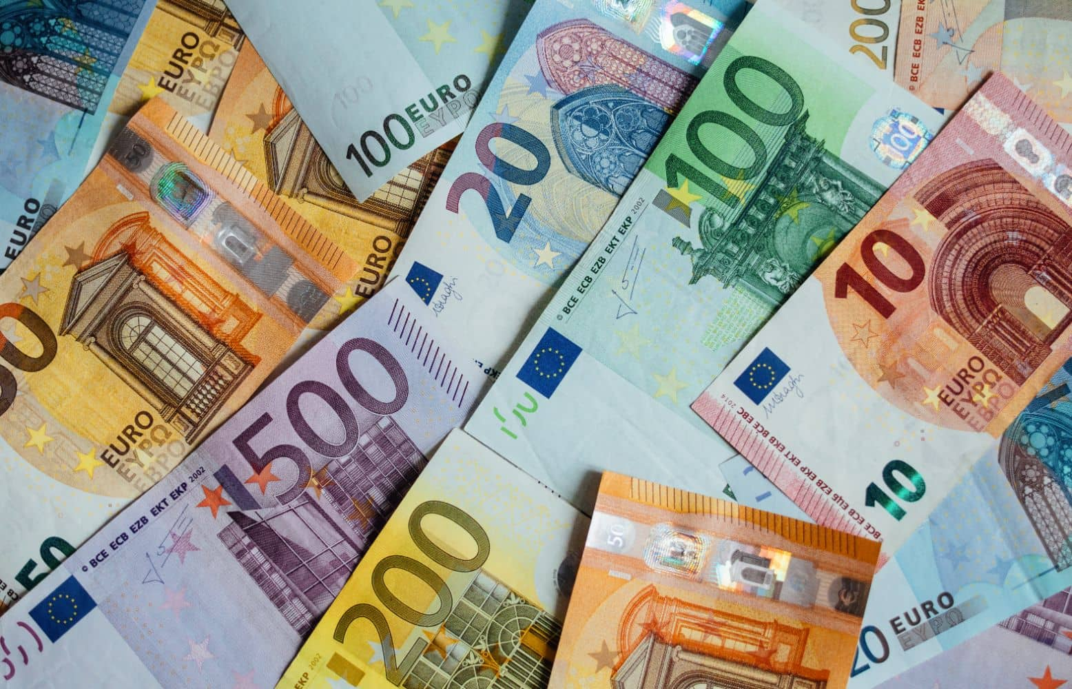 Επίδομα 800 ευρώ: Σε δύο φάσεις οι πληρωμές - Ημερομηνίες