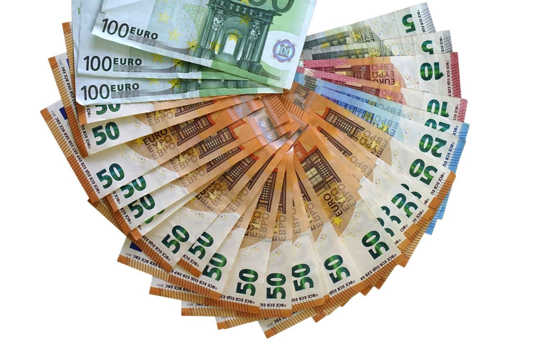 Κυβερνητική τονωτική «ένεση» 300 εκατ. για προνοιακά επιδόματα