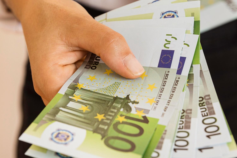 ΕΦΚΑ, ΟΠΕΚΑ, ΟΑΕΔ: Πληρωμές σε επιδόματα και συντάξεις ΕΔΩ