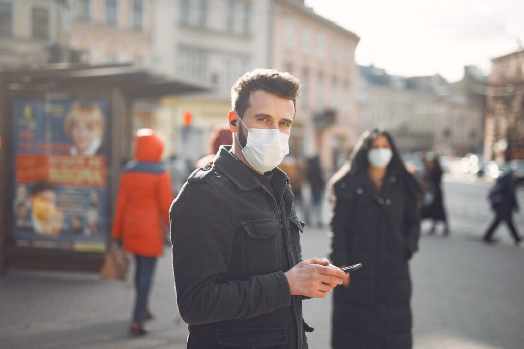 Lockdown: Πότε καταργούνται τα SMS – Τι θα γίνει με μετακινήσεις, άνοιγμα σχολείων και λιανεμπορίου