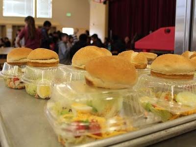 Αιφνιδιαστική προσωρινή διακοπή προγράμματος διανομής σχολικών γευμάτων