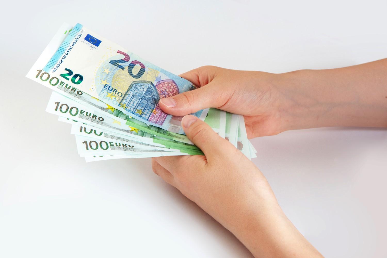 Επίδομα 400 ευρώ: Τι πρέπει να ξέρετε για τις πληρωμές