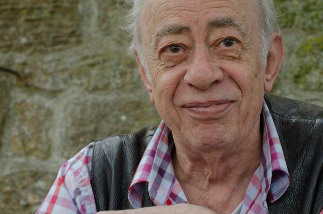 Βασίλης Αλεξάκης : Έφυγε από τη ζωή ο γνωστός συγγραφέας