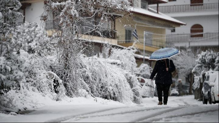 «Λέανδρος»: Νέα επιδείνωση - Χιόνια και στην Αττική