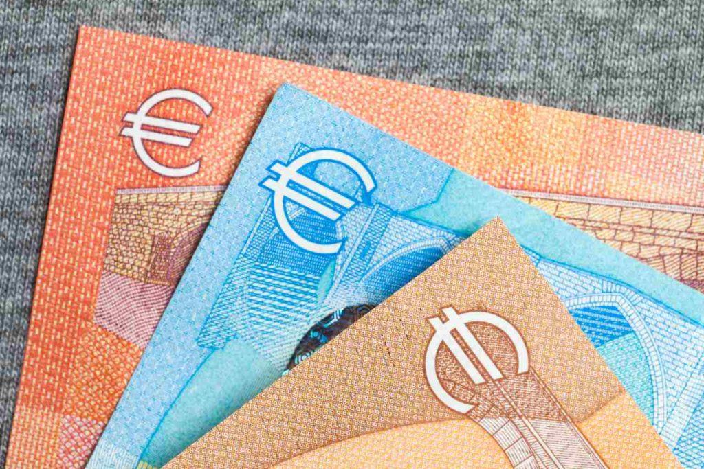 Επίδομα 534 ευρώ: Πότε θα πληρωθεί – Τι ισχύει για τον Απρίλιο