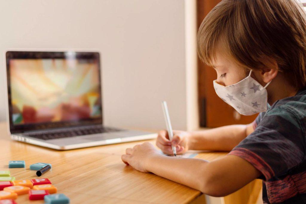 Εκπαιδευτικοί: Το υπουργείο παίζει στα ζάρια την υγεία των εργαζομένων και των μαθητών στα ειδικά σχολεία