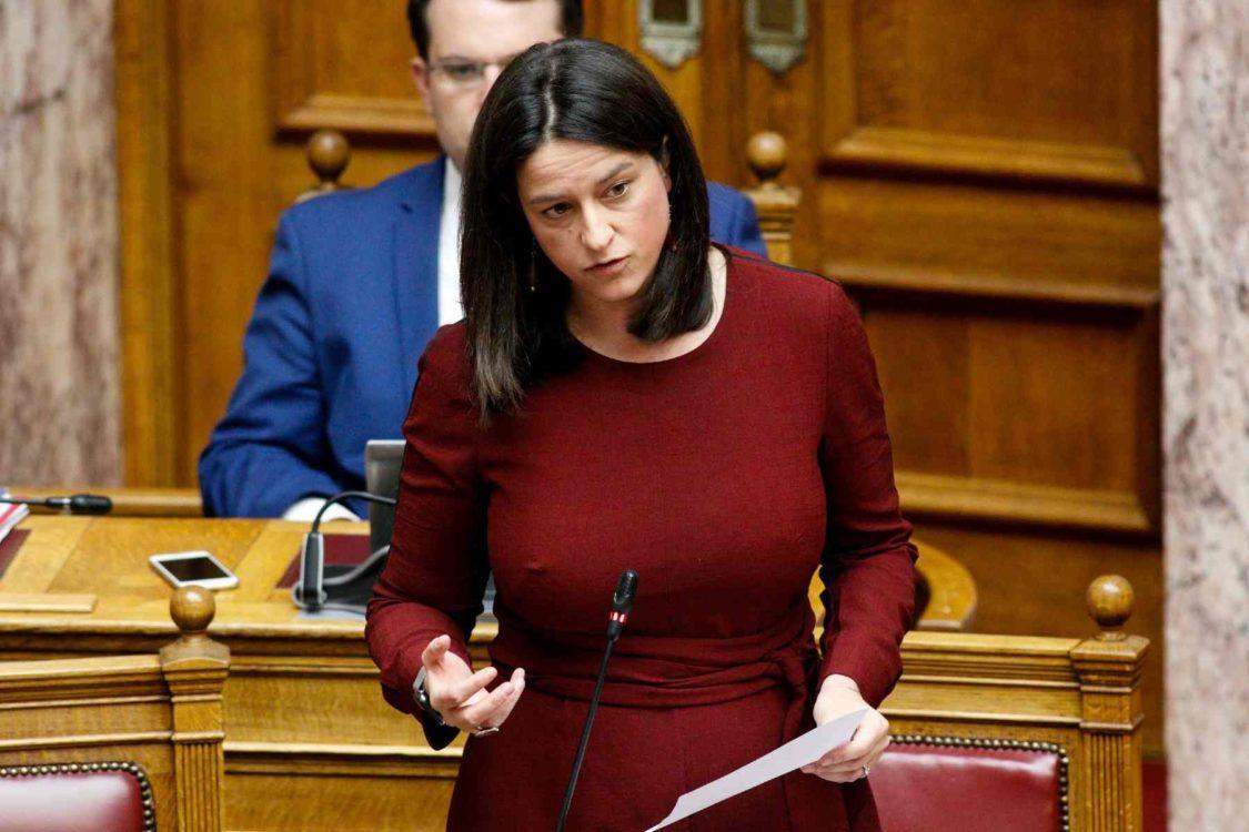 Κεραμέως: Τι οδήγησε στο άνοιγμα σχολείων – Τι είπε για Πανελλήνιες 2021, voucher 200 ευρώ