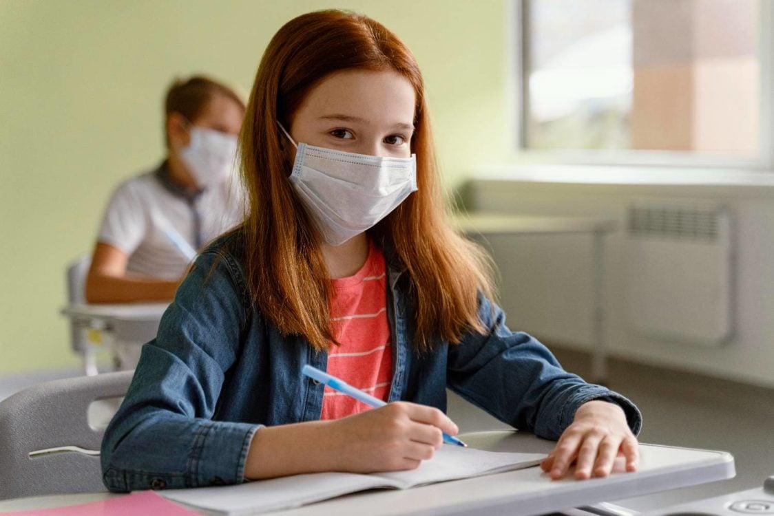Άνοιγμα σχολείων: «Χαράτσι» στους γονείς εάν κάνουν λάθος self test στους μαθητές