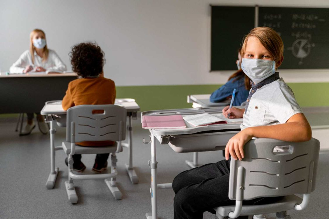 Σχολεία – Πιερρακάκης: Προτεραιότητα στα self test θα έχουν οι μαθητές