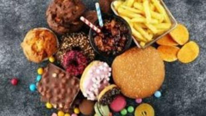 Πόσο φαγητό πετιέται παγκοσμίως στα σκουπίδια χωρίς να καταναλωθεί