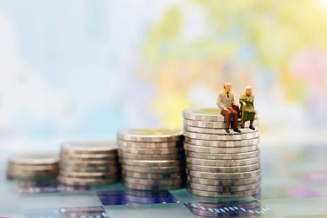 Εισφορά αλληλεγγύης: Τι θα γίνει με δημόσιους υπαλλήλους και συνταξιούχους
