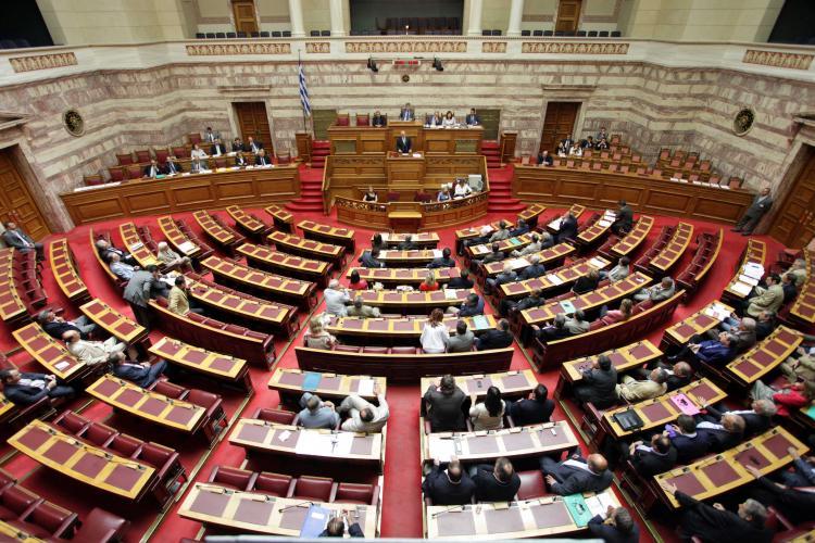 Πίνακες αναπληρωτών εκπαιδευτικών: Ερώτηση στη Βουλή