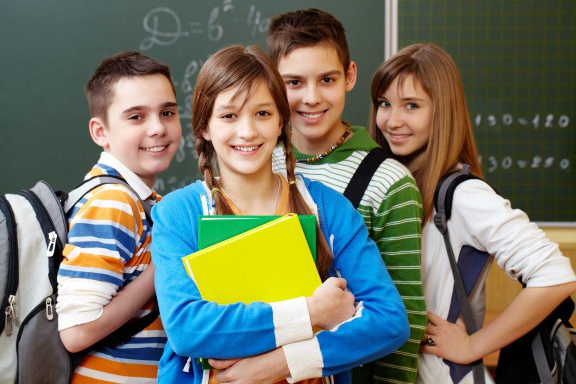 Σχολεία: Τι προβλέπεται για εκπαιδευτικούς και μαθητές – Τα ερωτήματα